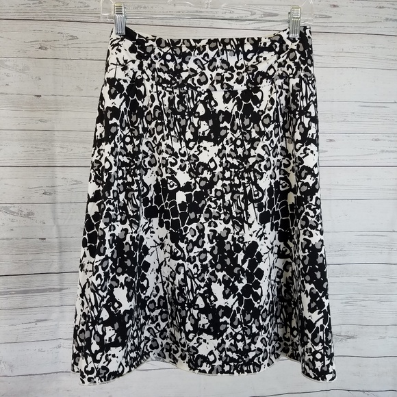 Tranquility Dresses & Skirts - Tranquility Skirt Sz Large Black White Floral